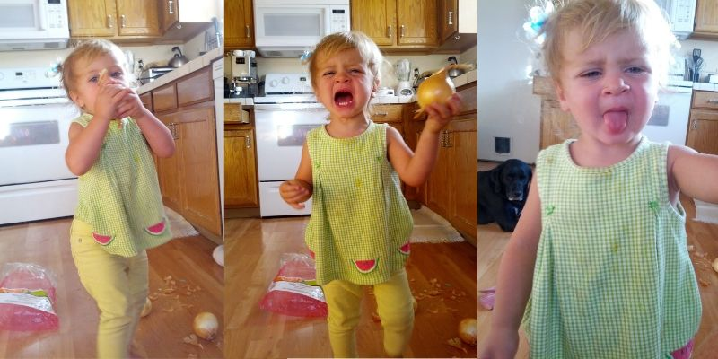 toddler who ate an onion thinking it was an pple