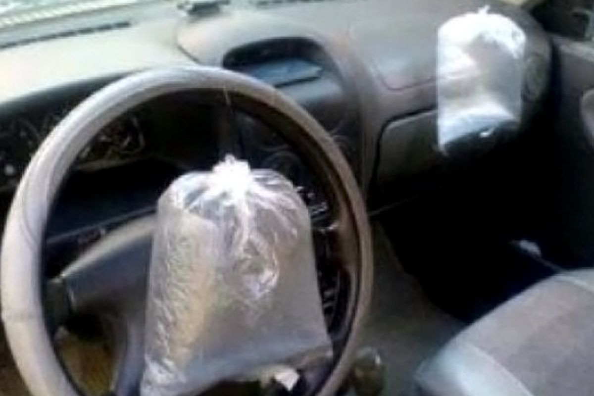 plastic bags as airbags on a car this is a bad DIY
