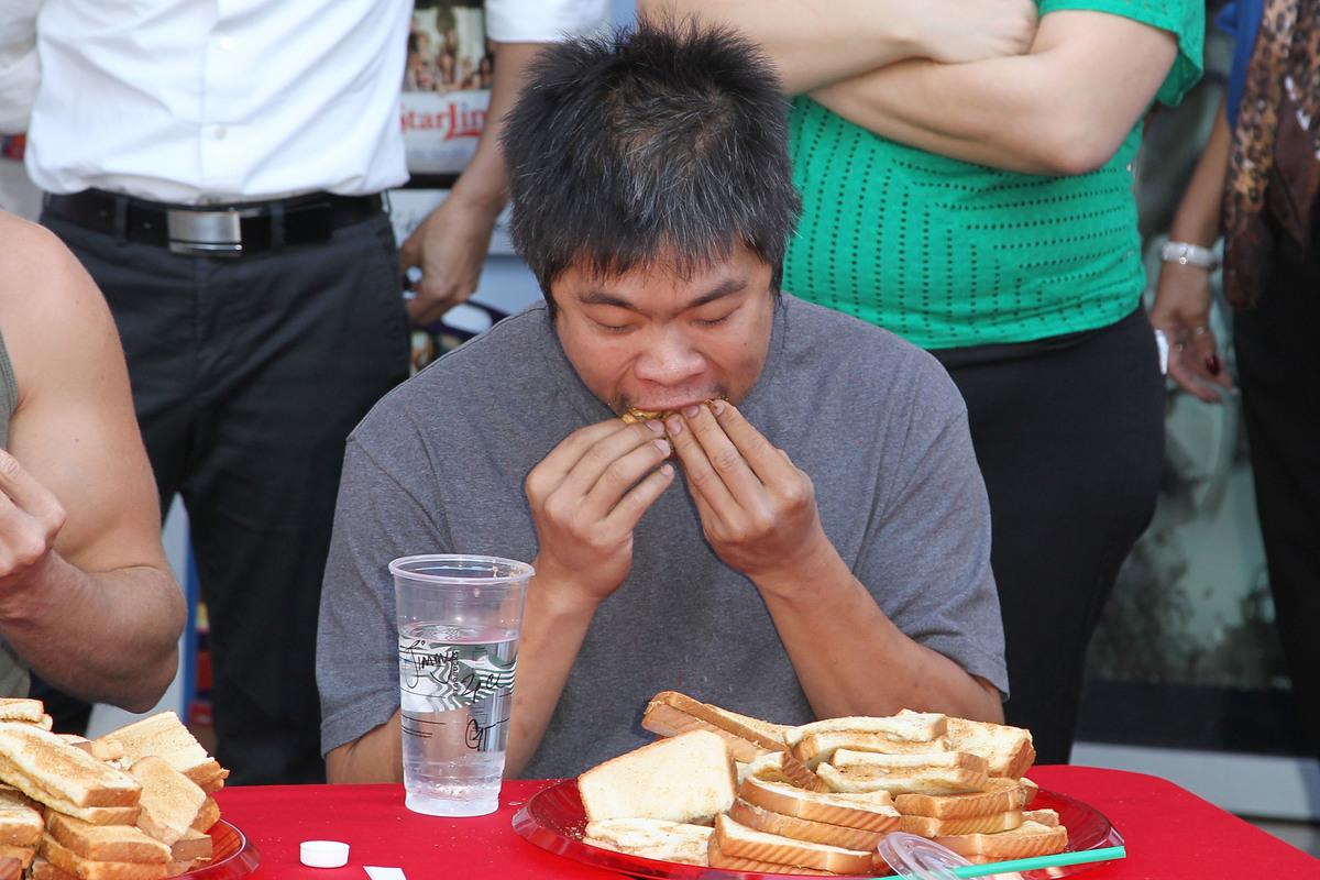 fried pb&j and banana sandwich eating contest
