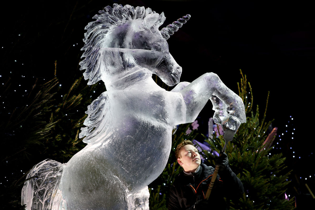 unicorn ice sculptor in edinburgh