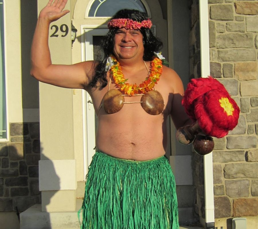 dad dressed up as lilo from lilo and stitch
