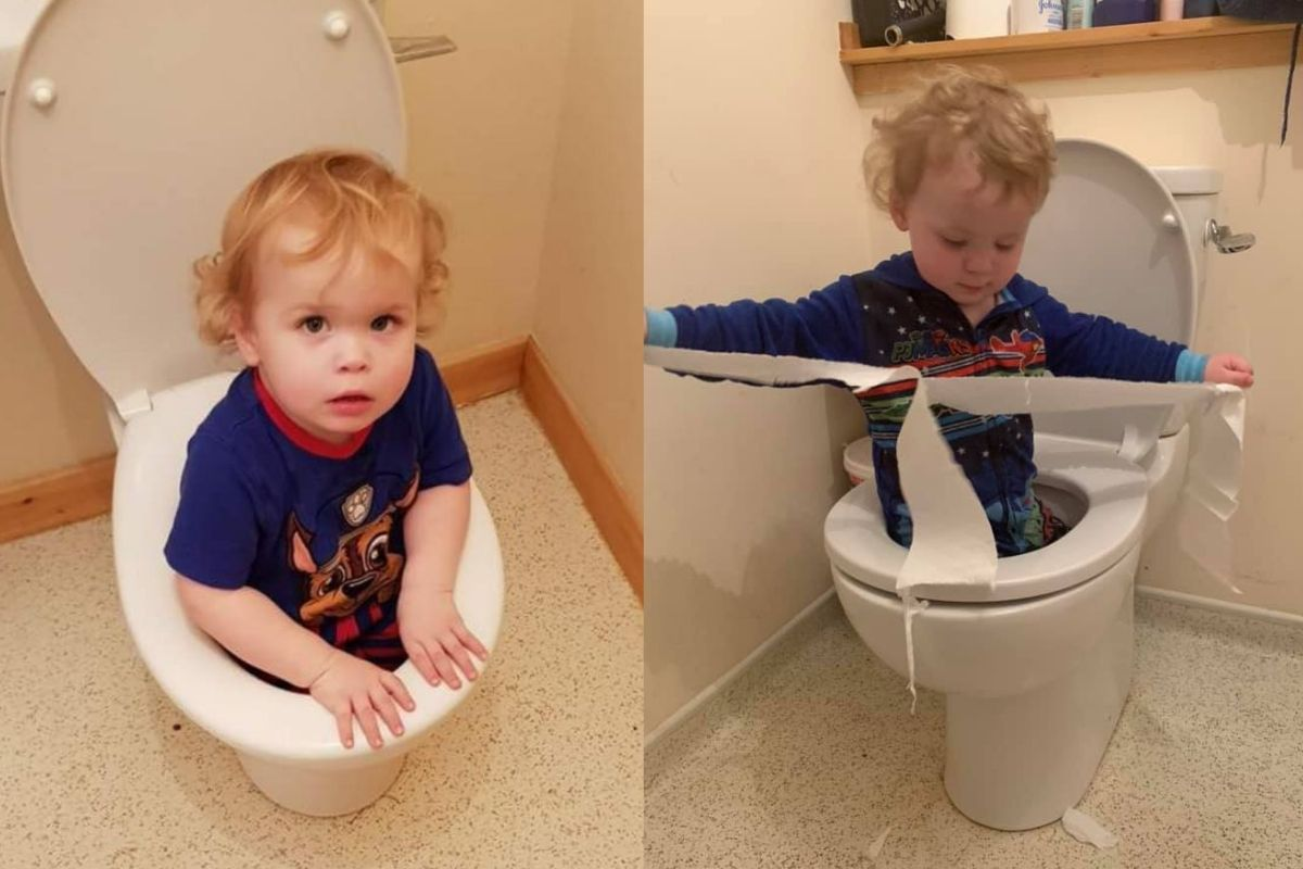 boys in the toilet
