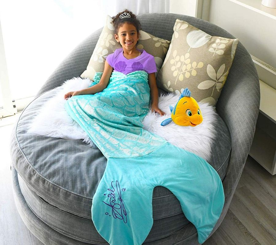 mermaid ariel chilling on a blankie