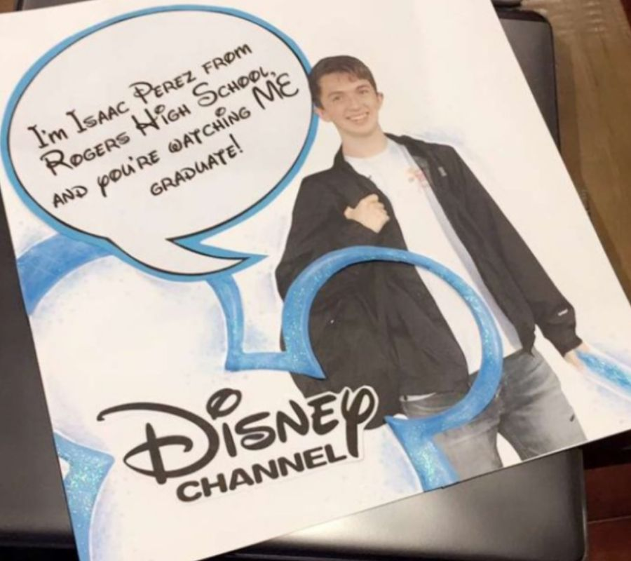 a kid made a graduation announcement using the Disney channel