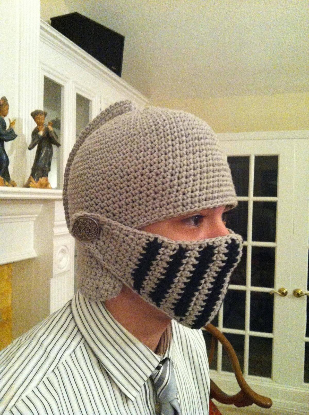 knit hat that looks like knight