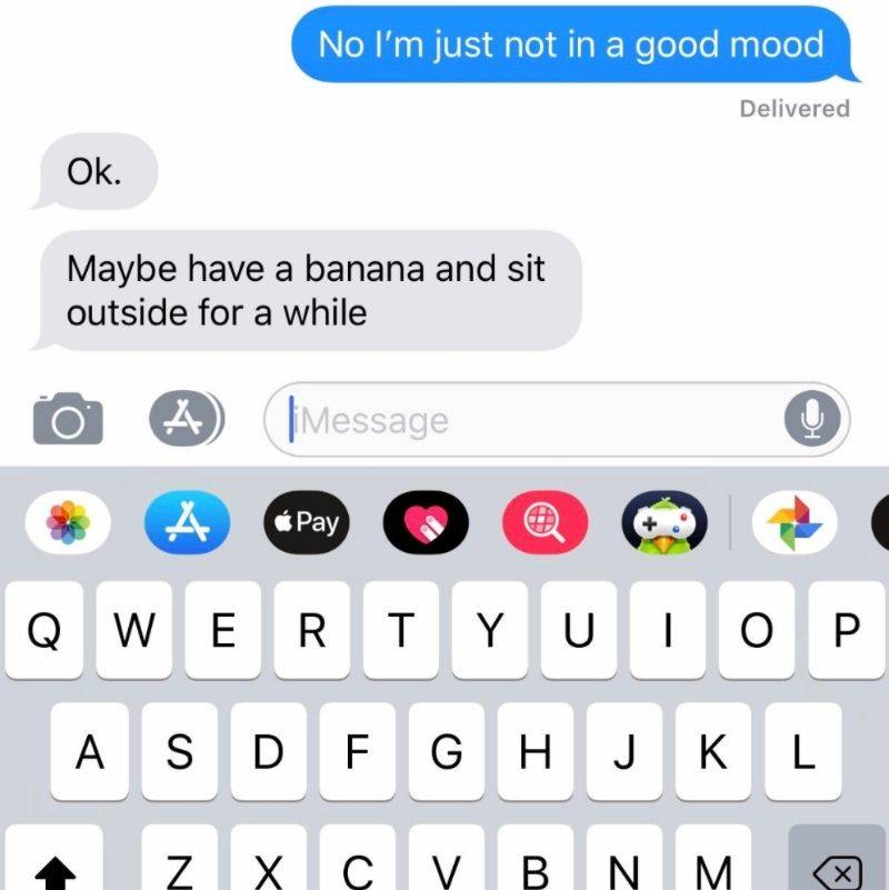 mom sent a text telling her kid to eat a banana