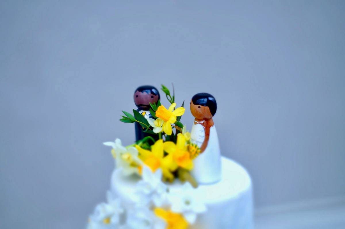 bride and groom cake toppers